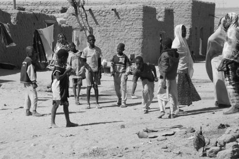 Jeu de boules...with rocks. In Timbuktu, Mali.